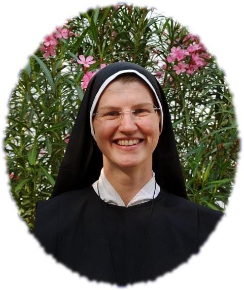 Madre Anne bg